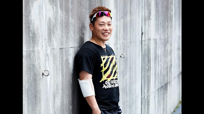 ONEOKROCKのライブTシャツをきている原田研太朗選手